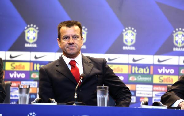 Dunga convoca seleção com 3 jogadores do Corinthians