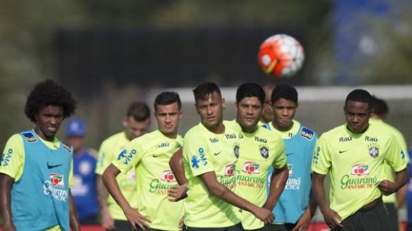 Brasil estreia às 20h30 e jogará às terças e quintas-feiras nas Eliminatórias